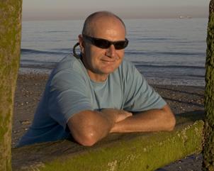 richard_on_beach1